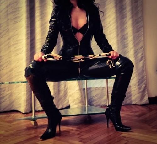 TORINO PADRONA MINERVA bellissima Mistress italiana