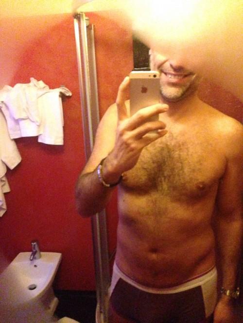 TORINO Master 45enne, rasato, bel fisico, bel sorriso, mega