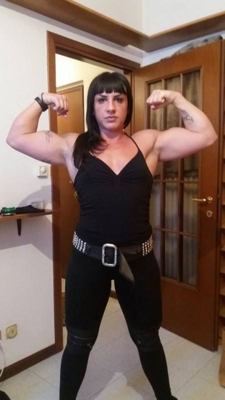 TORINO La dominatrice bodybuilder Lady Coleman x veri sottomessi