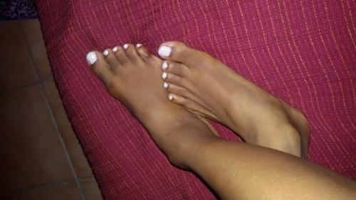 MILANO Per gli amanti dei piedi color cioccolato