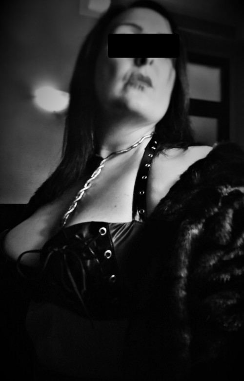 TORINO Mistress MadameP dominatrice sadica