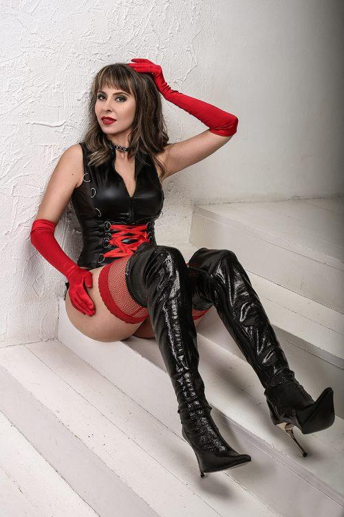 MILANO Mistress Lana