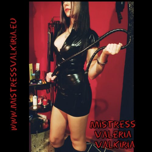 PADOVALa bellissima Mistress Valeria Valkiria a TRIESTE per soli due giorni in TOUR